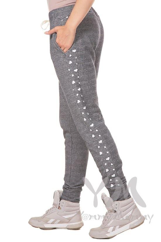 Изображение                               Универсальные брюки серый меланж с сердечками