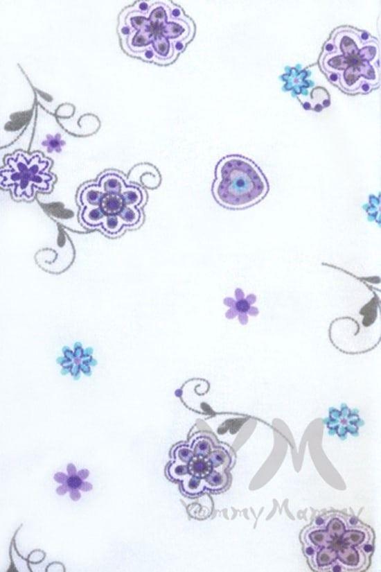 Изображение                               Трикотажная пеленка белая с сиреневым цветочным принтом 75х100